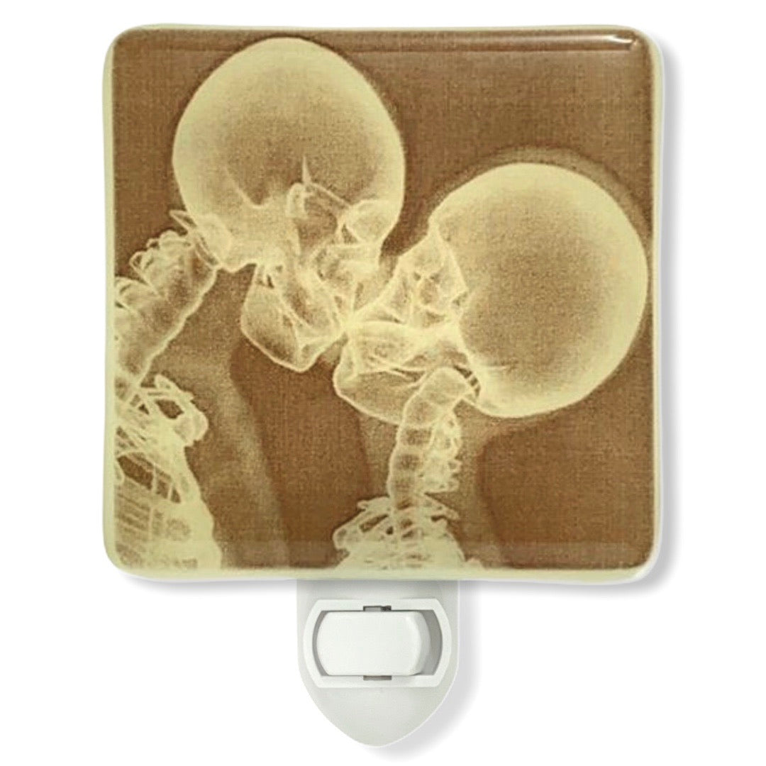 Skeleton X-Ray Kiss Night Light