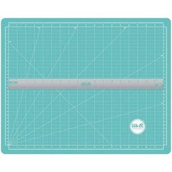 Crafters magnetic mat and magnetic ruler  70938-1