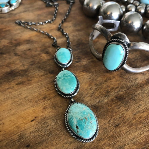 Light Kingman Turquoise Three Cabochon Necklace
