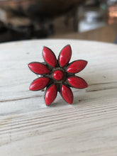 Load image into Gallery viewer, Vintage Coral Cluster Ring