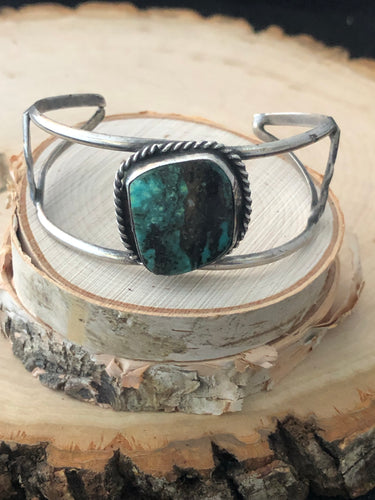 Single Cabochon Green Turquoise Cuff