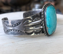 Load image into Gallery viewer, Fred Harvey Era Collectible Cuff