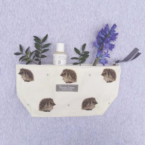 Percy Hedgehog Washbag