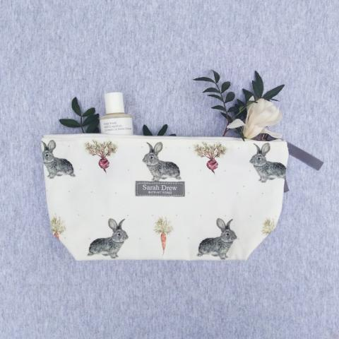 Daisy Rabbit and Vegetable  Washbag