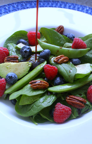 Spinach Berry Nut Salad | Balsamic Blueberry Maple Dressing | Wozz!