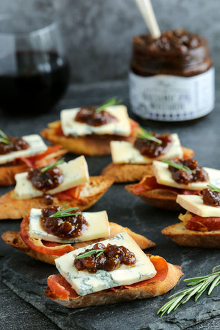 Crostini with Gorgonzola, Prosciutto and Balsamic Fig Spread