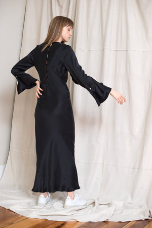 Oyster Gown - Black - LOCLAIRE