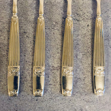 Load image into Gallery viewer, The Headhunter Madison - Vintage Ribbed Handle Silver Forks