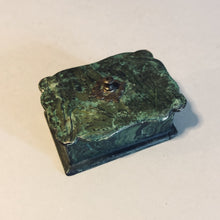Load image into Gallery viewer, Antique Paper Mache Green Lacquer Box