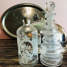 Load image into Gallery viewer, Handblown Vintage Ring Decanter