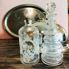 Load image into Gallery viewer, The Artist Anton - Handblown Vintage Ring Decanter