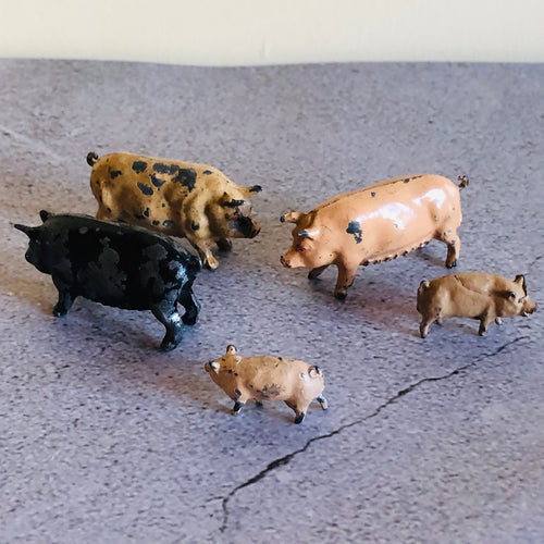The Director Mila - Vintage Lead Toy Pigs
