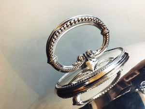 The Director Silvia - Antique Silver Cloche