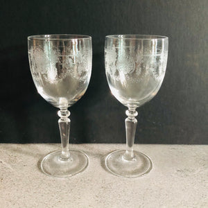 The Director - Samantha Vintage Engraved Wine Cocktail Glasses