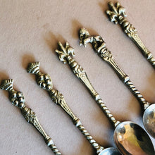Load image into Gallery viewer, The Headhunter Raul - Set of 5 Handmade Coffee Spoons Topped with Crested Motifs
