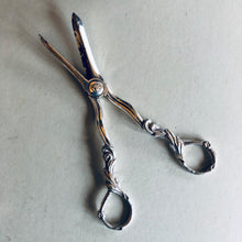 Load image into Gallery viewer, The Headhunter Camila - Antique Silver Plate Grape Scissors