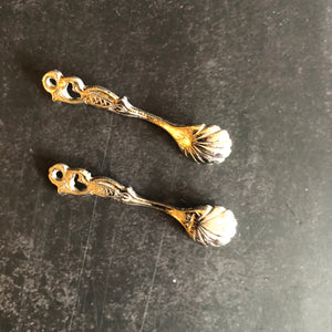The Headhunter Pepin - Pair of Tiny Shell Designed Salt Spoons