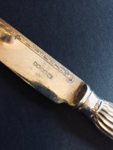 Load image into Gallery viewer, The Headhunter Harper - Antique Silver Knife With Ribbed Handle