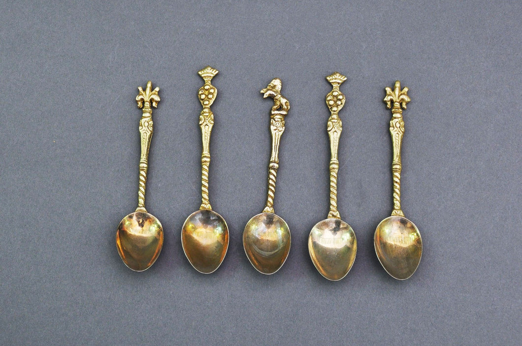 The Headhunter Raul - Set of 5 Handmade Coffee Spoons Topped with Crested Motifs