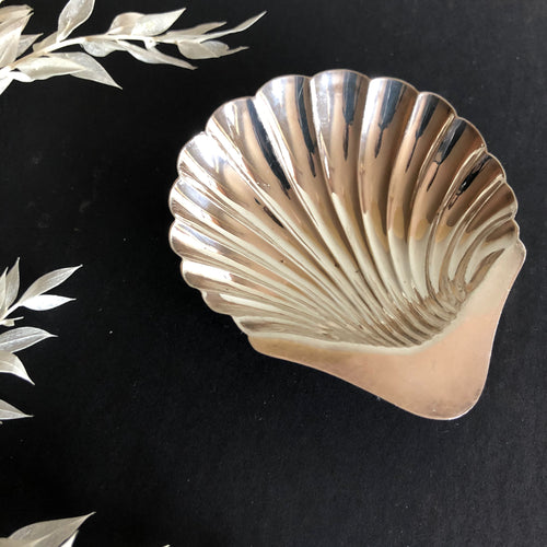 Master Ken -  Antique Silver Shell Design Salt Dish