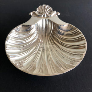 Master Tam - Antique Silver Shell Design Butter Dish
