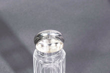 Load image into Gallery viewer, The Mixologist Jesse - Glass Jar with Silver Lid