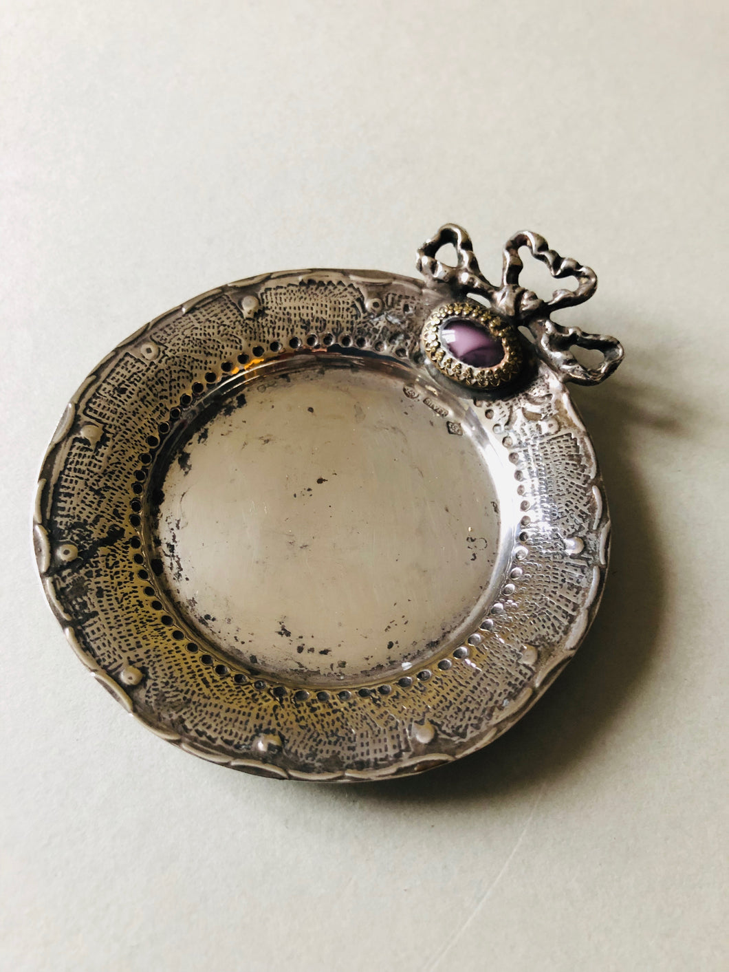The Director Chloe / Antique Silver Pin Dish
