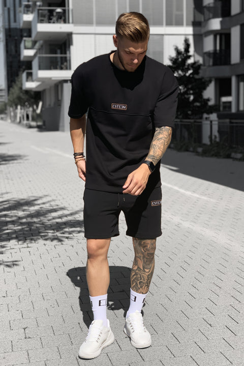 BLACK PATCH OVERSIZED SWEATTEE