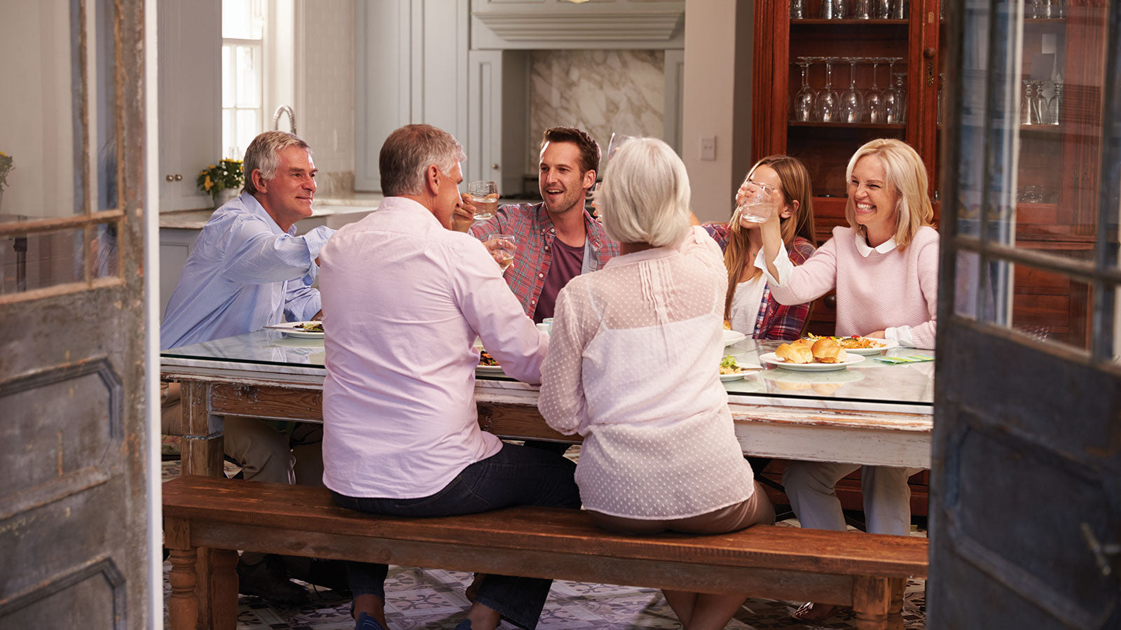 family gathering dining room tips