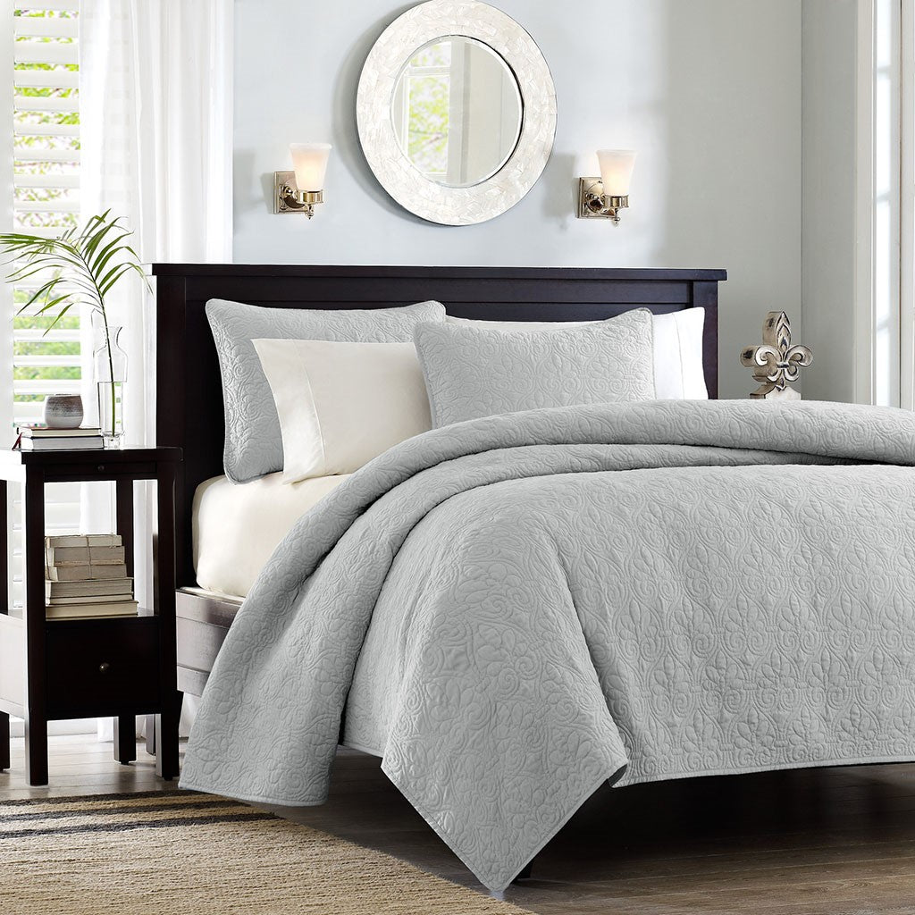 Quebec Reversible Coverlet Set