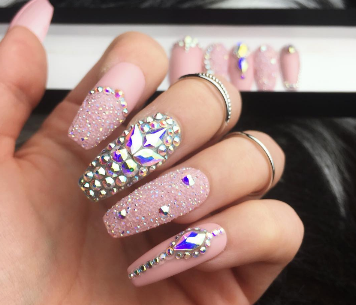 Nail Trends - Team Hen