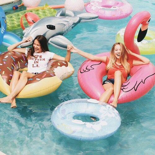 90s Pool Party | Hen Party Themes| Team Hen