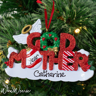 Personalised Christmas Ornaments make gorgeous gifts for special loved ones in our lives.