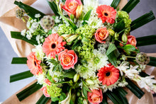 Load image into Gallery viewer, Chloe Premium Bouquet