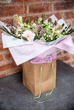 Load image into Gallery viewer, soft pink bouquet