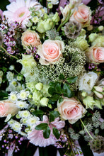 Load image into Gallery viewer, Isabella Premium Bouquet