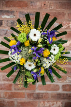 Load image into Gallery viewer, Molly Premium Bouquet