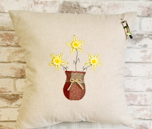 Welsh Collection Square Cushion with Daffodil Vase