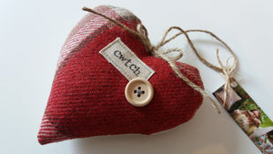 Red Signature Collection Cwtch Heart