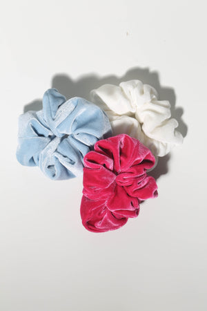 Hair accessories and dresses for teenage girls