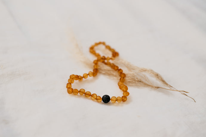 Amber Necklace with lava rock - Honey