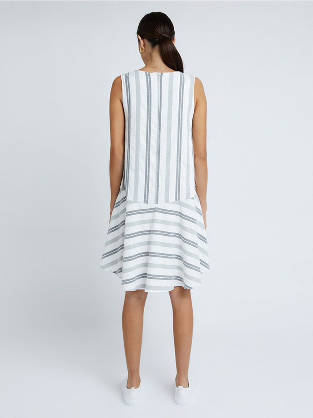 STAPLE THE LABEL Arielle Shift Dress