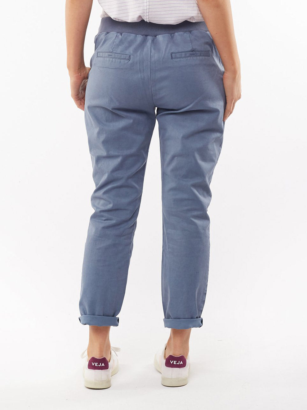 ELM LIFESTYLE Adelyn Chino Pant - Blue