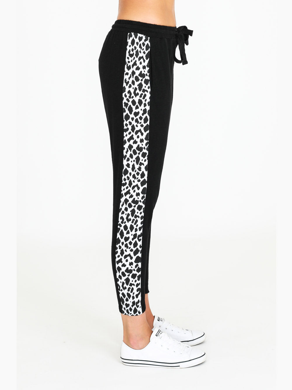 3RD STORY Leopard Contrast Jogger