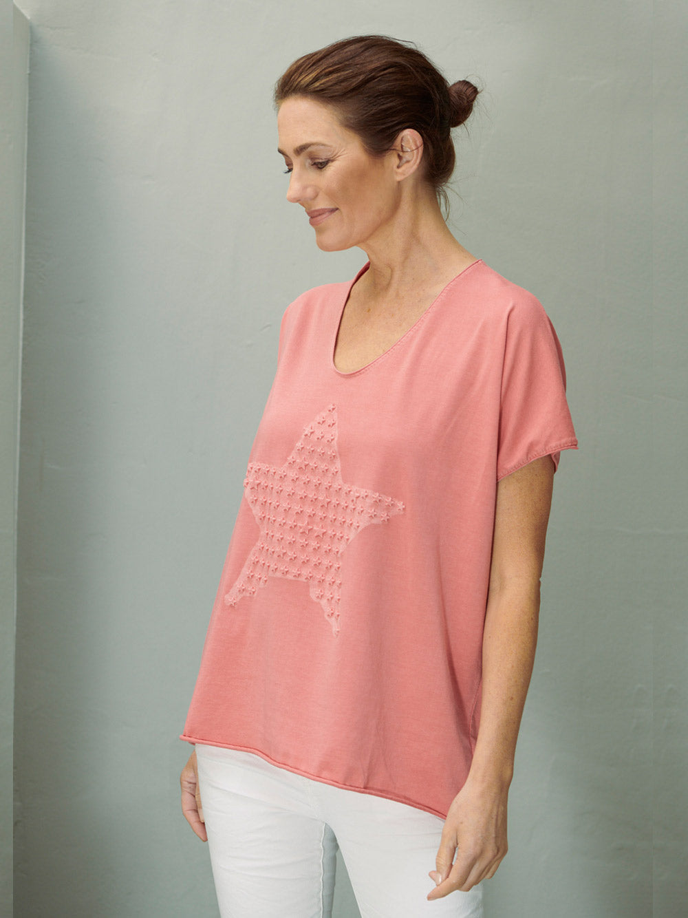 LOVE FROM ITALY Embossed Star Tee - Rouge