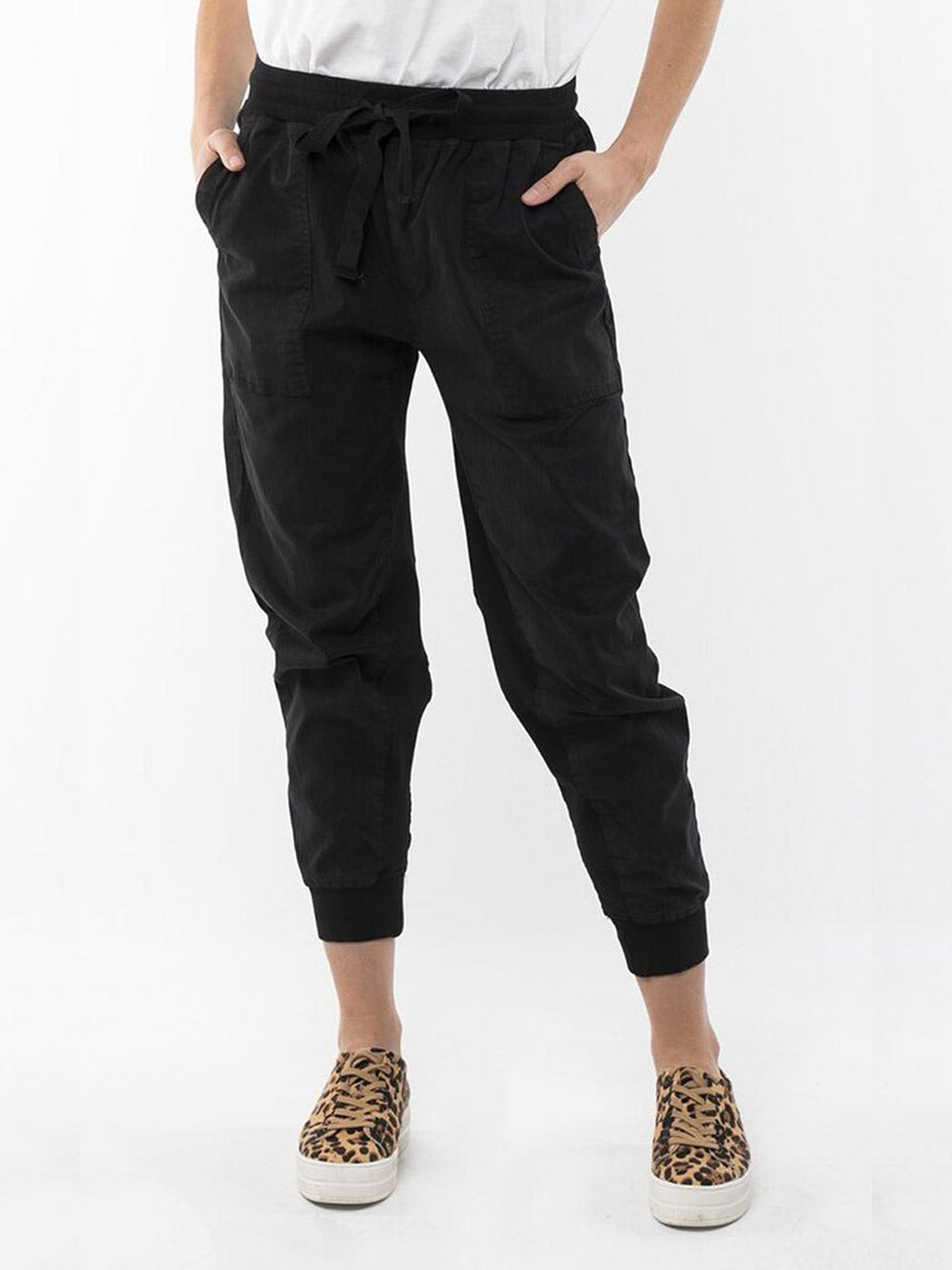 ELM LIFESTYLE Let Loose Jogger - Black