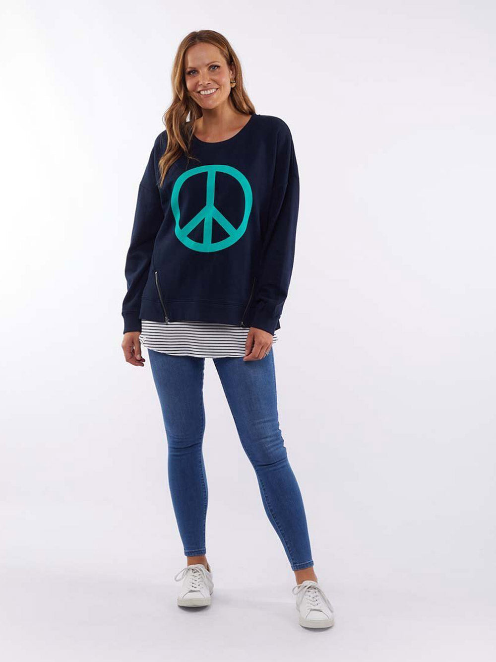 ELM LIFESTYLE Love & Peace Crew - NAVY