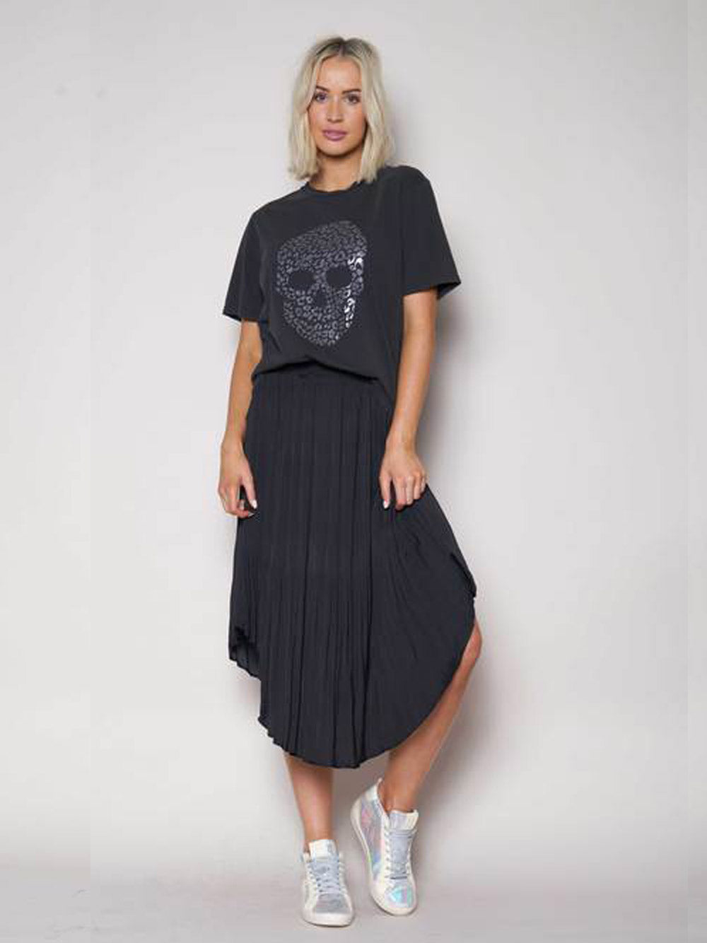 THE OTHERS Pleated Elastic Waist Skirt - Black