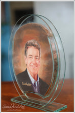 "Load image into Gallery viewer, Personalize Your Picture into Glass Vase by Sand 7.8""x9.8""  - FREE SHIPPING"