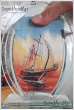 "Load image into Gallery viewer, Personalize Your Picture into Glass Vase by Sand 5.1""x7""  -FREE SHIPPING"